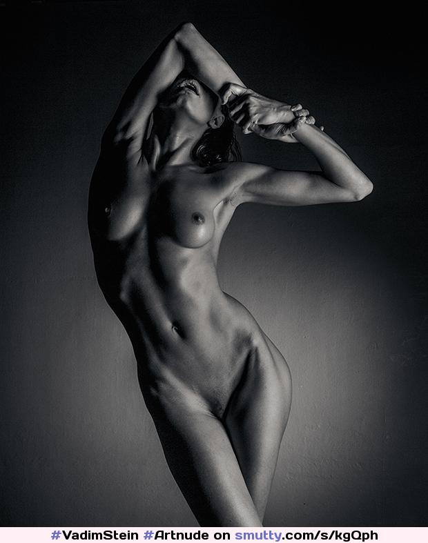 female-artistic-nudes