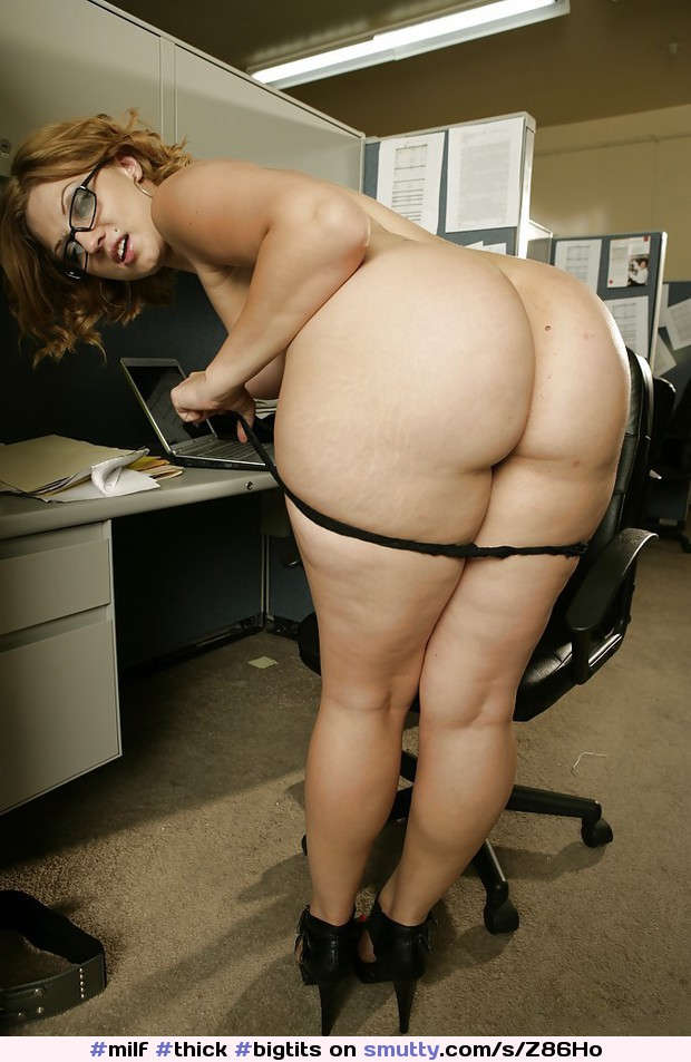 thick girl with glasses nude