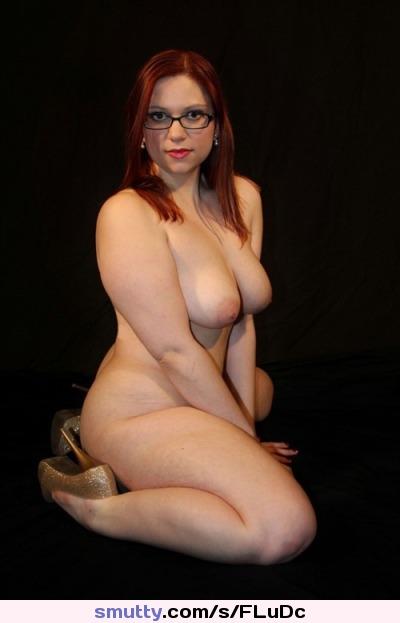Celeb Sexy Curves Naked Pics