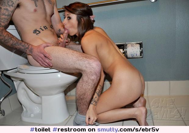 Blowjob Toilet