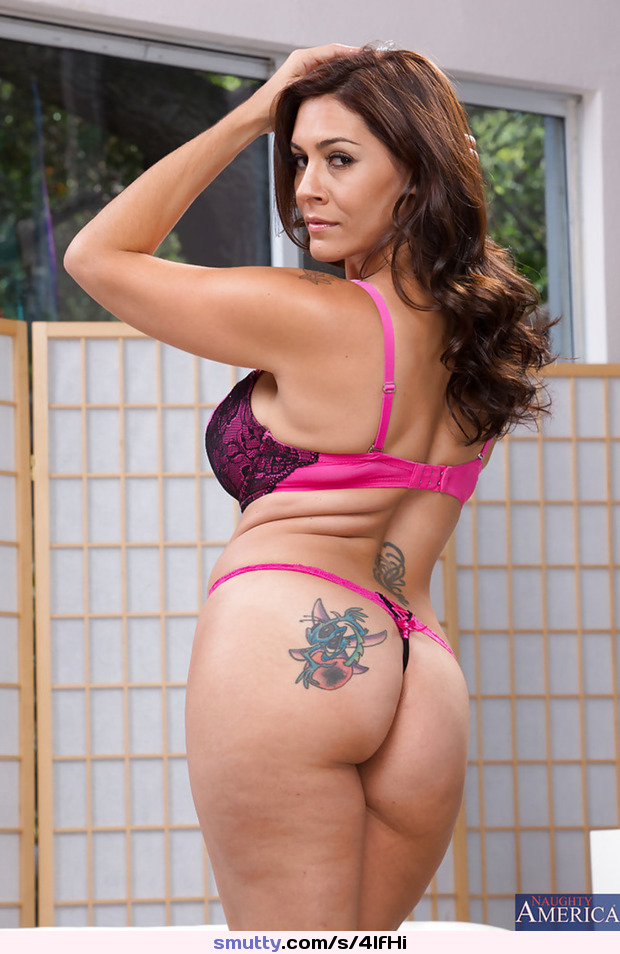 Cougar Sexy Hot Latina Milfs