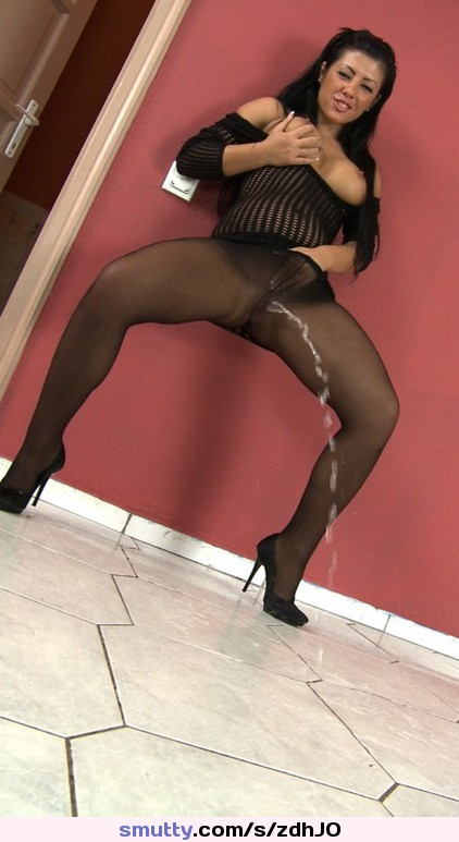 Piss in nylons