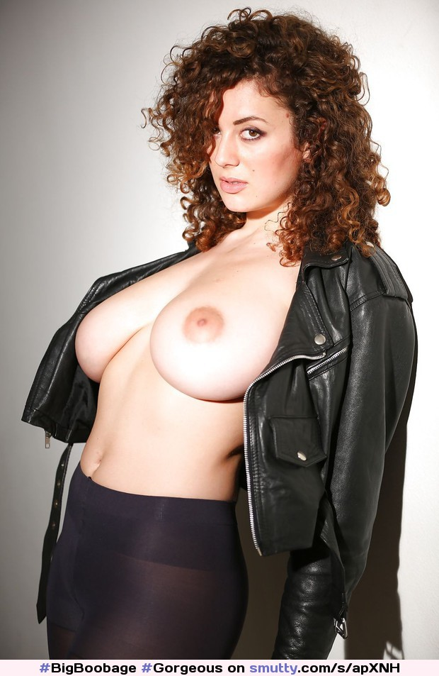 Leila #BigBoobage#Gorgeous#Sexy#hot#LeilaLowfire#BigTitties#LargeTits#Attractive#Hottie#Babe#Busty#Beautiful#Buxom#BigBreasts#Boobs#Amazing