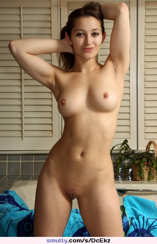 Daily Nude and Non Nude Teen Galleries, Hot Girls.