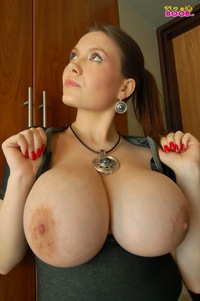 Oily Girl Porn Pics