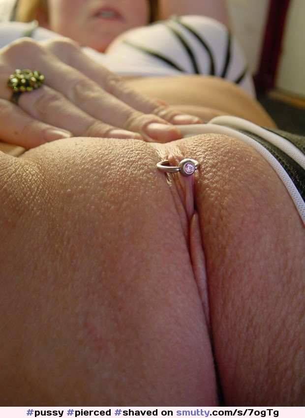 Older woman shaved pussy clit ring, sexi porno woman picture