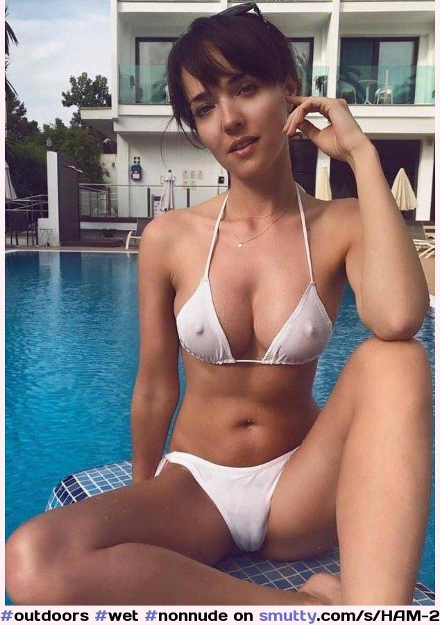 Bikini Cameltoe