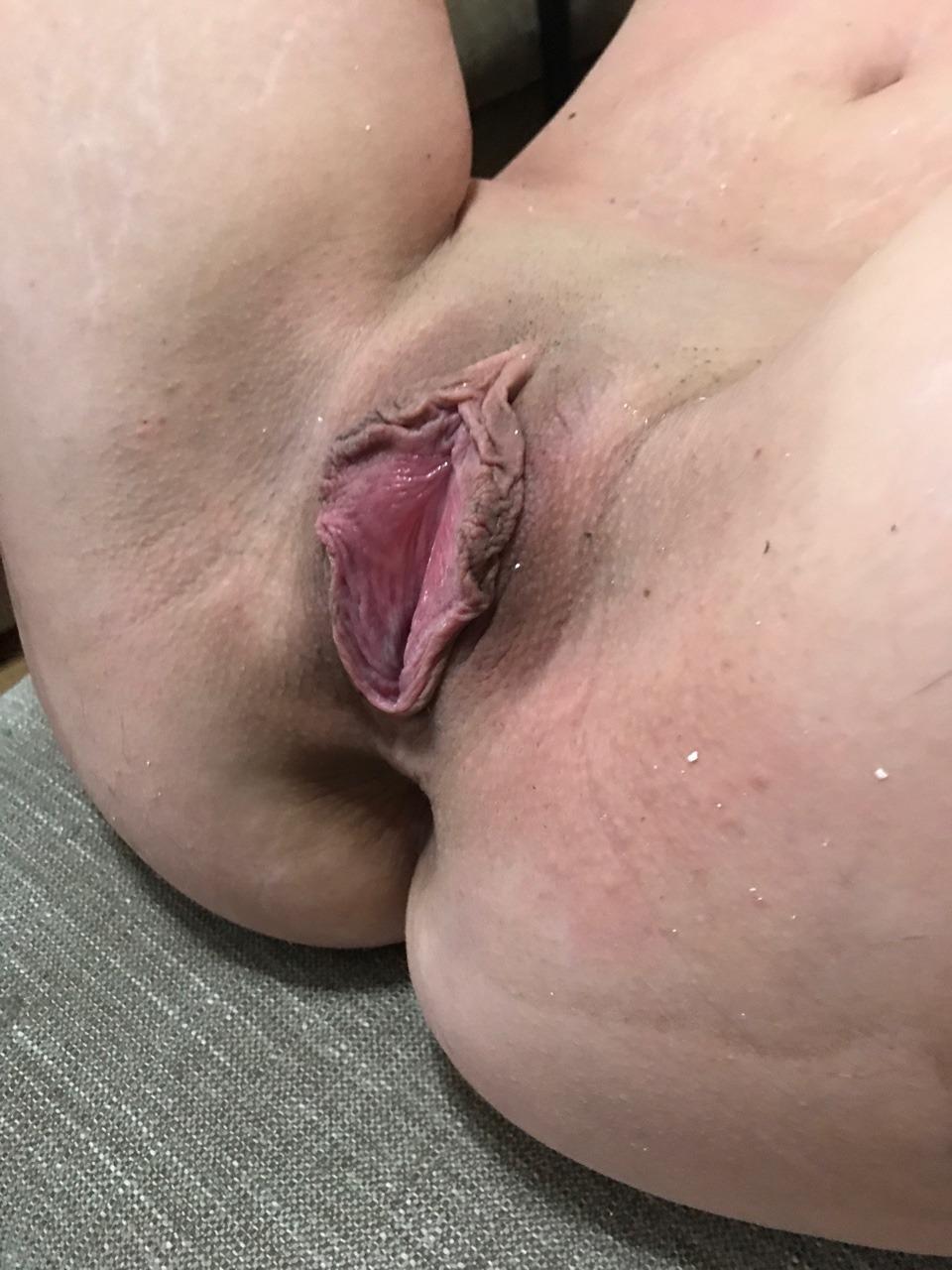 College-Umkleide Cheerleader lesbischen haben mit großen in und der Sex Fußballspielerin Titten photo 2