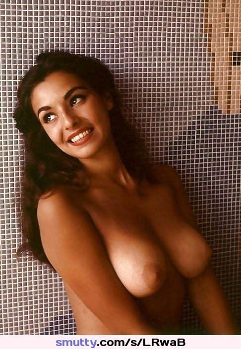 Titten mit großen Nackte Babes photo 2