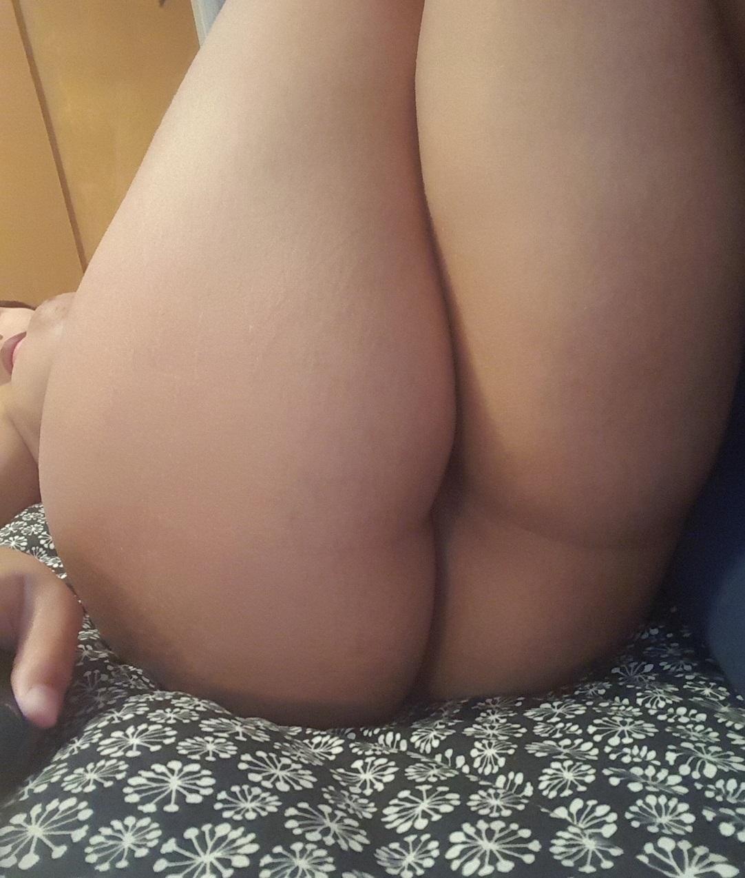 Meine nackte Freundin filmen, während ich sie hart ficke photo 3