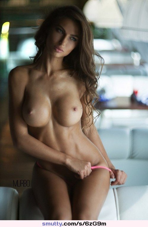 #brunette #curvy #hourglass #perfect #pefectbody #busty #bigtits #topless #fit #greeneyes #goddess #photography
