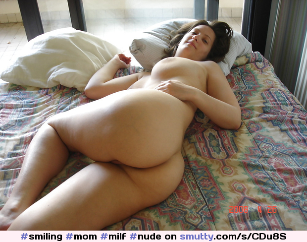 nude mom in bed