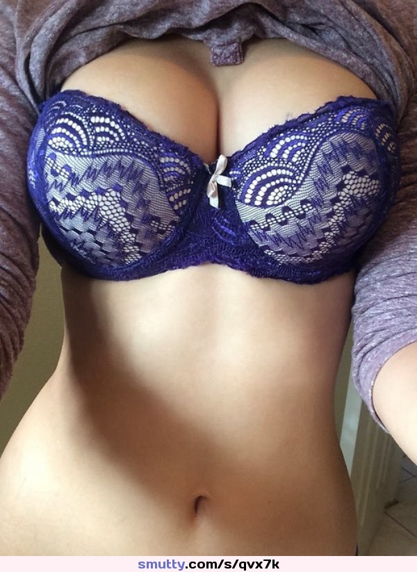 #FunInTheMorning #bra #bluebra #lace #lacebra #lacelingerie #lingerie #bow #reveal #ShirtUp #naval #boobs #breasts #tits #nn