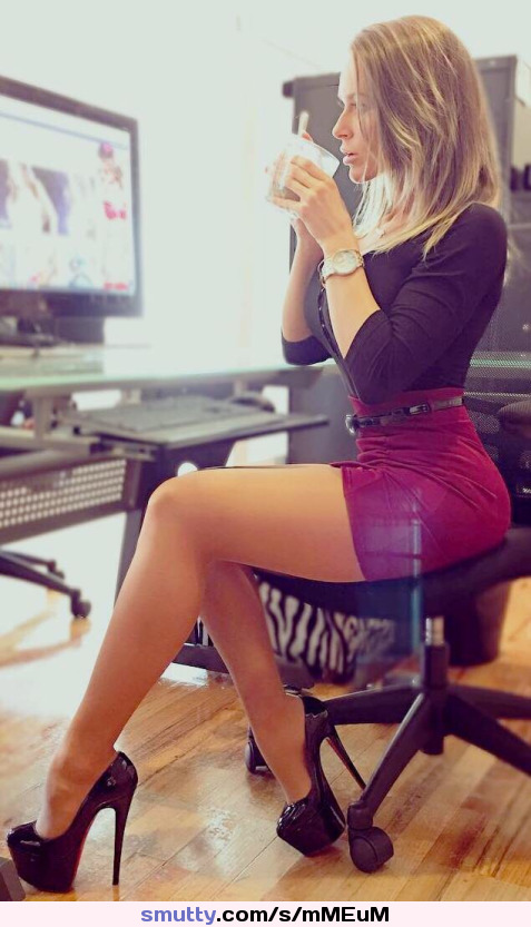 #NN #Nonnude #Office #OfficeGirl #Skirt #ShortSkirt #TightSkirt #Sexy #PerfectBody #Legs #Dressed #Clothed #Tease #Amazing #Hottie #Babe