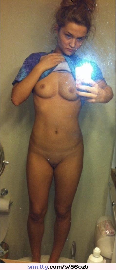 Nude slfies