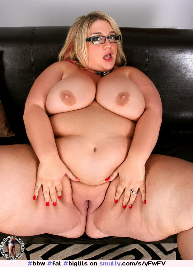 #bbw #fat #bigtits #Mellons #baldpussy #thickthighs #fatlegs #glasses #slutwife