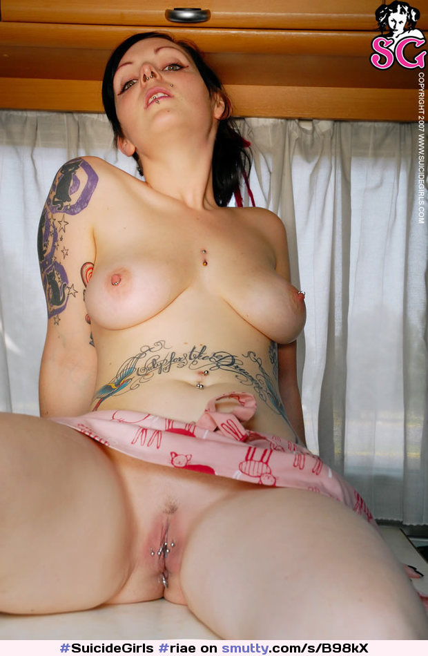 Can Suizid girls naked pussys are