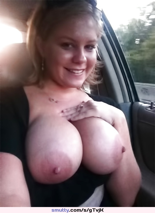 On 136543 Page Girls Exposes Their Tits