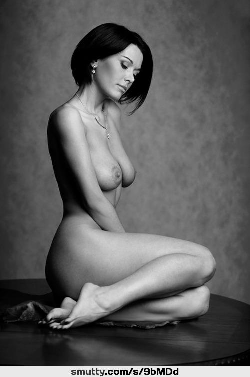 Warm Tastful Nude Women HD