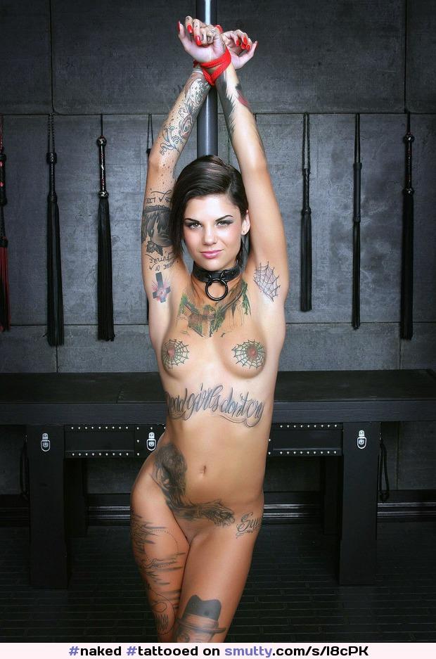 Sexy tattooed woman bondage — pic 11
