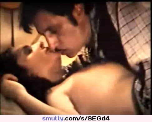shakti-kapoor-sexy-kiss-busty-naked-emo-mirror-pics