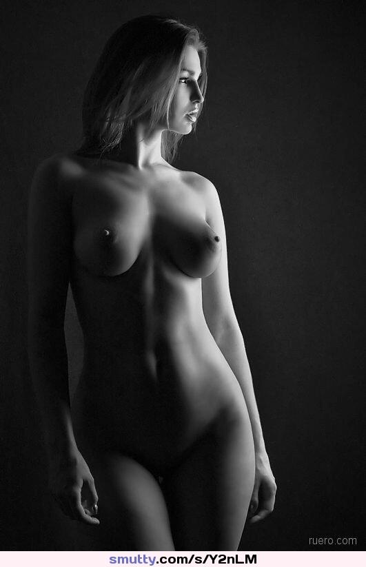 idealnie-golie-siski-foto