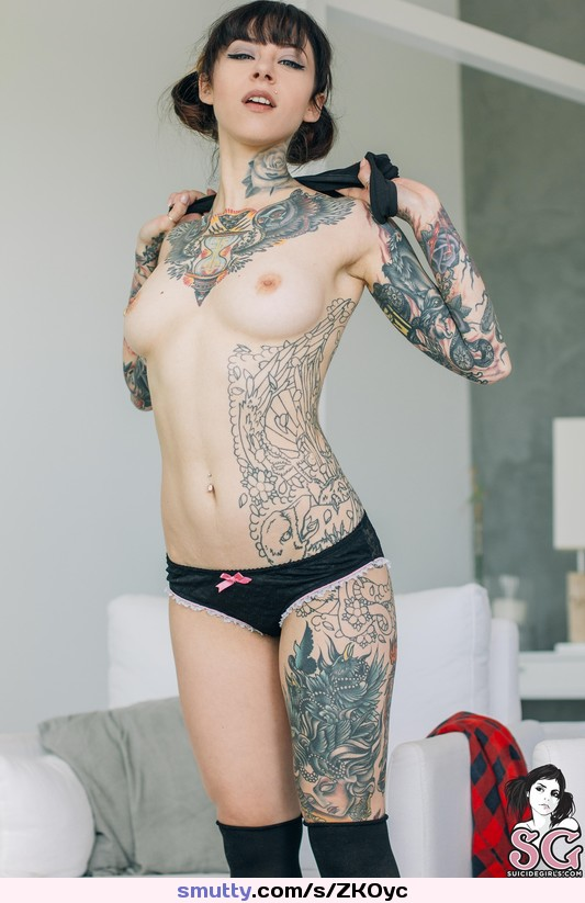 Suicide girls gogo naked, sexy girl naked in field