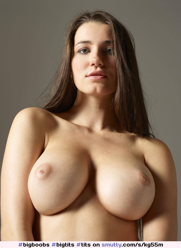 Seductive Nude Babe With Big Natural Boobs, Perfect Solo Display, Free Porn