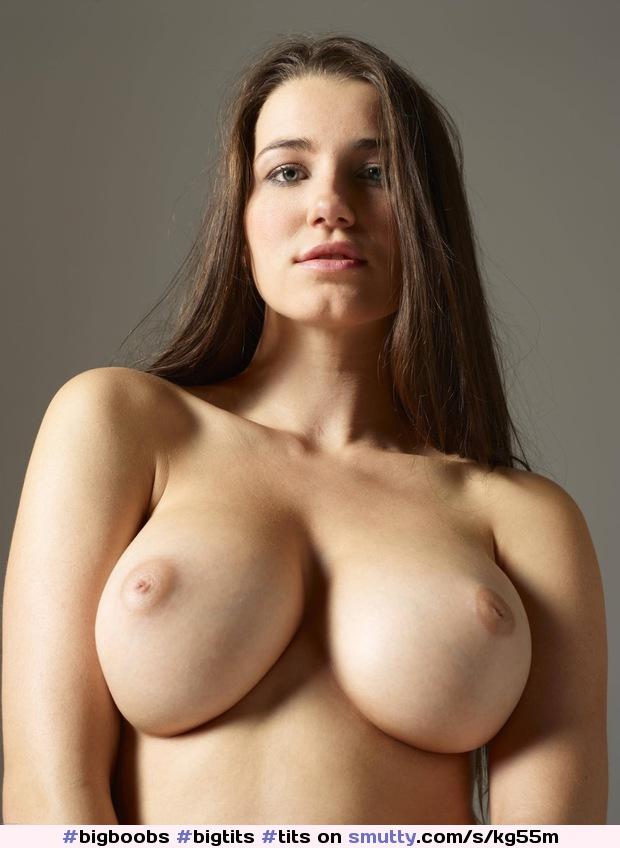 Flashing perfect tits