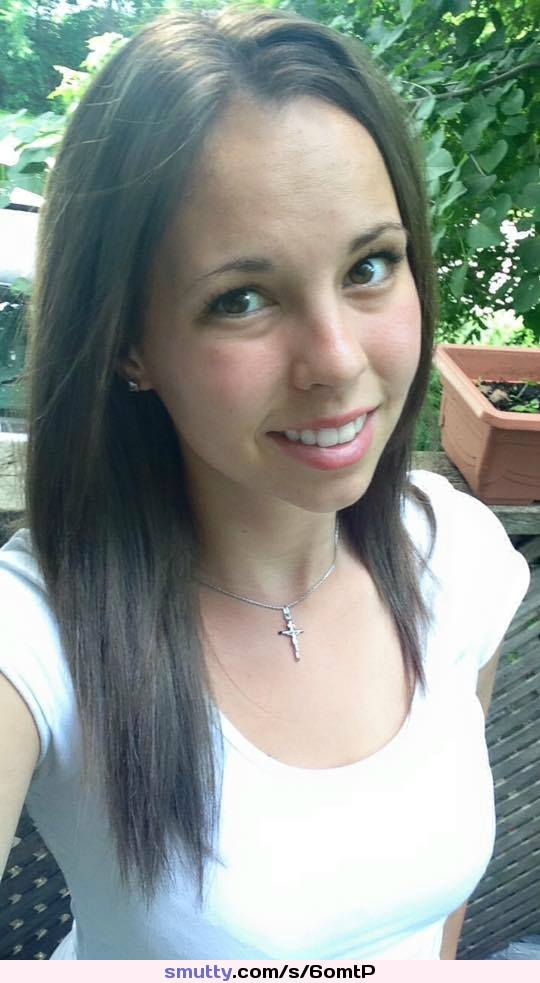 Unschuldiges Mädchen Gia Paige erträgt raues Muschihämmern photo 3