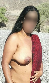 Indian mature outdoor blowjob