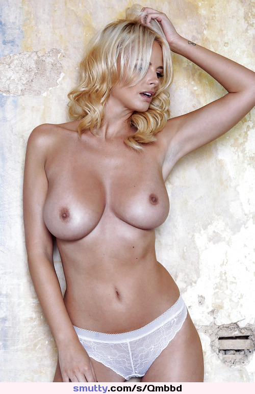 #beautiful#sexyblondewoman#topless#tanlines#nicenaturaltits