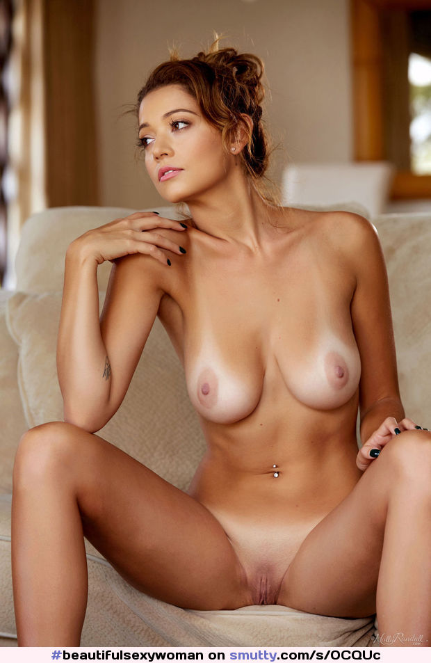#beautifulsexywoman#tanlines#nicenaturaltits#shavedsmooth