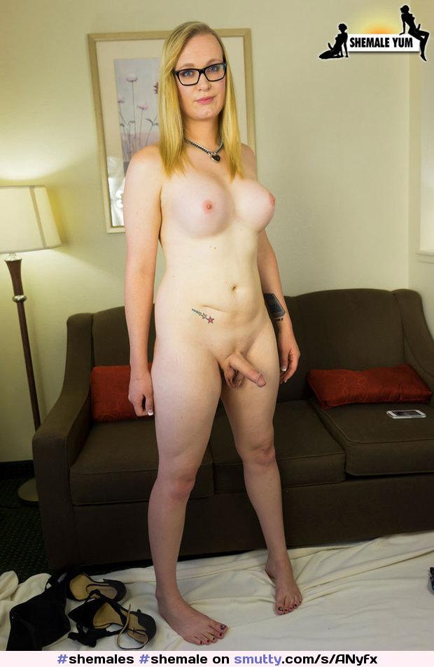 Female peeing pics