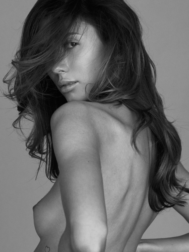 Sultry Alessandra Ambrosio Topless Sideboob Ass Pics 1