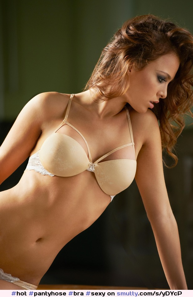 Women sexy strip seamless bra adjusted