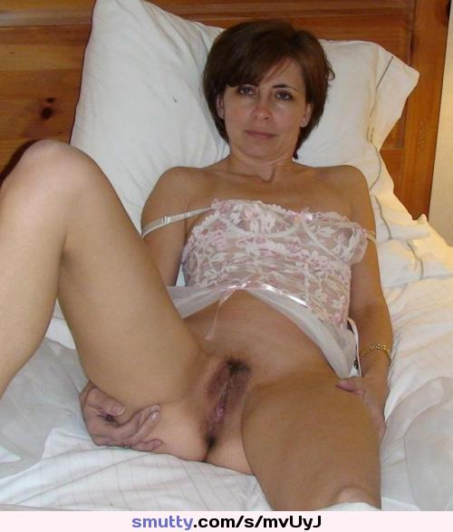 Sensual brunette cougar ready to fulfill you dirty dreams