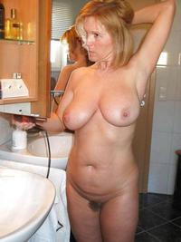 Big natural boobs growing
