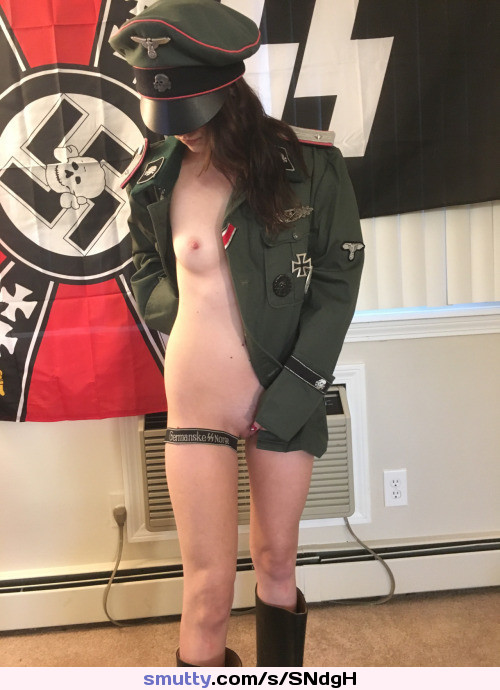 girls-fucking-in-nazi-uniforms-pic