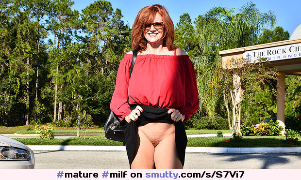 #mature#milf#maturemilf#redhead#flashing#outdoor#glasses