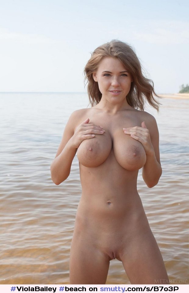 #ViolaBailey #beach #nude #bigtits #bigboobs #smile #shaven #outdoors