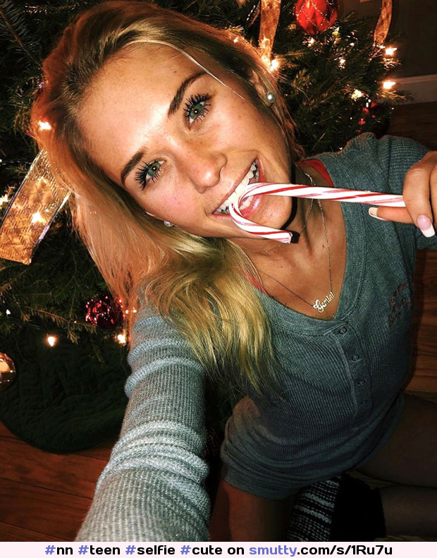 #nn #teen #selfie #cute #sexy #young #greeneyes #eyecontact #sexyeyes #eyes #daughter #candycane #lollipop #sucking #Christmas #blonde