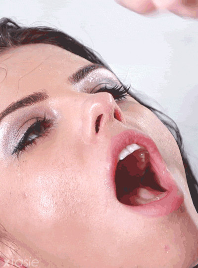 Photos of facial expressions in orgasm girls
