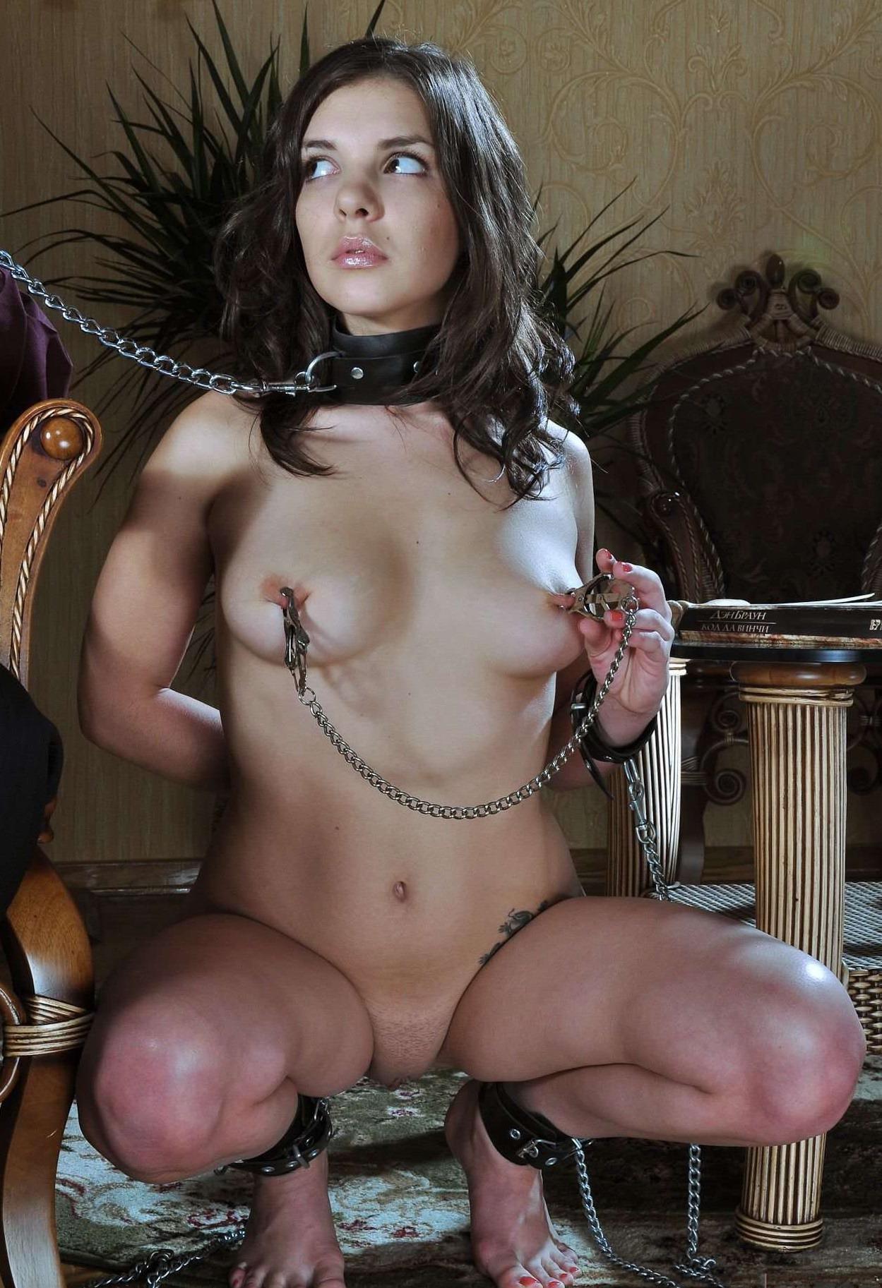 Schwanzhungrige Schlampe Abigail Mac lutscht gierig an dieser Stange photo 3
