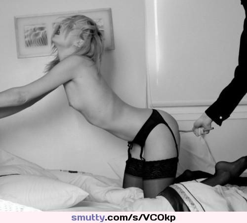 Парень шлепает по попе девушку фото 93470 фотография