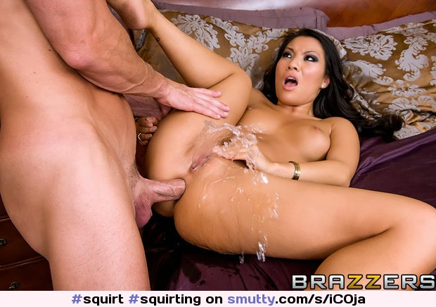 bisexual women squirting video