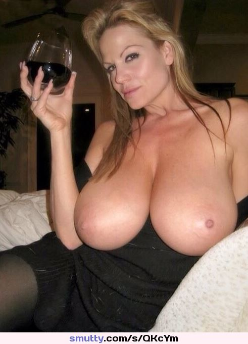 #wifeporn #bewbs #boobs #tits #breasts #titsout #twitterafterdark #latenight #amateur #homegrownpics #adultimages #adultpics #Homegrownporn