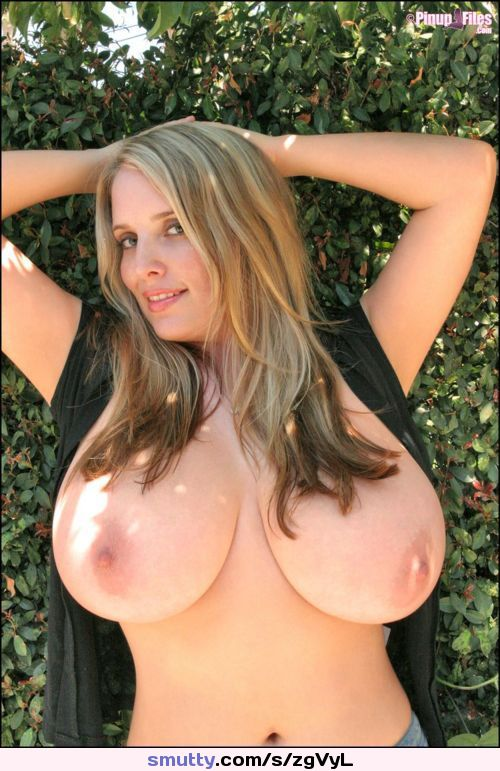 #imagesoflargeboobs #xxxbigboobs #freehugetits #boobs #bewbs #breasts #tits #titties #hot #outdoors #titsout smutty #naughty #enticing