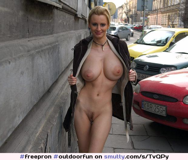 Freepron Outdoorfun Amateurporn Boobs Bebws Breasts Tits Landingstrip