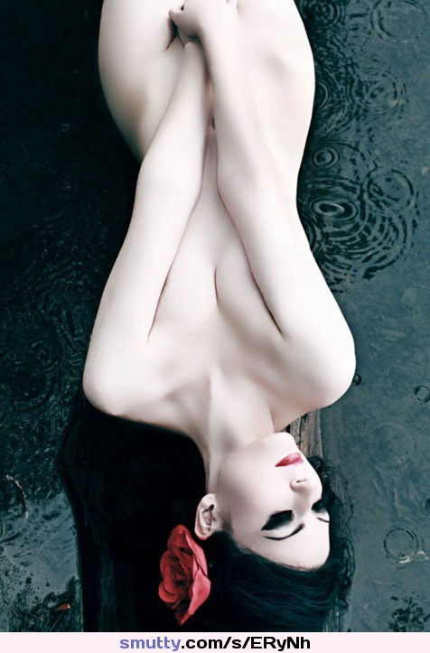 #japanese #gueisha #womanhood #elegance #hourglass #eyes #skinny #photography #beauty #beautiful #erotic #eroticart #sexy #hot #sensual #wow